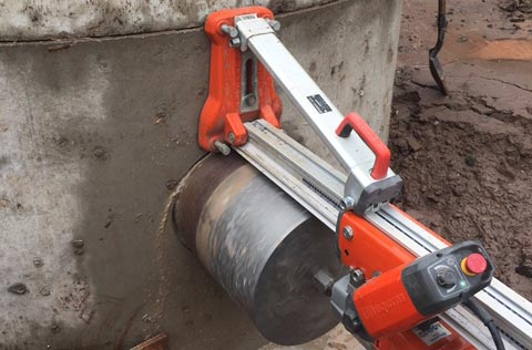 Concrete saw
